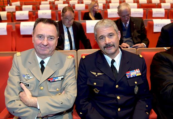 6. Le général Christian Peraldi et le Général Jean-Jacques Borel
