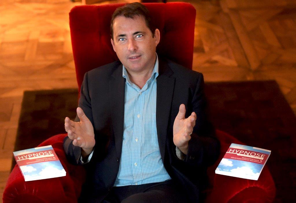 Jacques Marcout. Hypnothérapeute de la confiance en soi