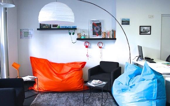 un nouveau concept d auto cole lyon. Black Bedroom Furniture Sets. Home Design Ideas