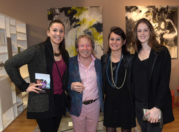 1. L'artiste peintre Dominique Grégoire, Sandrine Chausson (Raphaele Mobilier Contemporain), les basketteuses Margaux Galliou-Loko et Sara Chevaugeon (Lyon Basket Féminin)