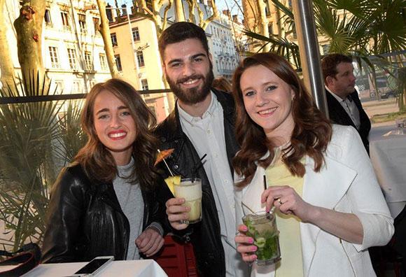 2. Ava Hazout, Robin Gervais et Pauline Martin (Café du Pond)