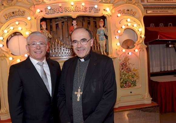 33. Le cardinal Philippe Barbarin et Elie Cunat (MBM Association)