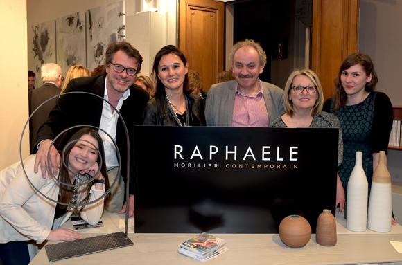 40. Sandrine Chausson et son équipe (Raphaele Mobilier Contemporain)