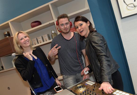 5. Le docteur Armelle Chichery, DJ M.Y et Sandrine Chausson (Raphaele Mobilier Contemporain)
