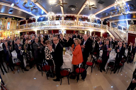 62. Standing ovation pour Théo et sa maman
