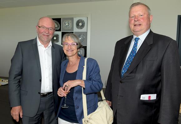 11. Yves Jeandin, maire de Lissieu, son épouse Christiane et Eric Palluat du Besset