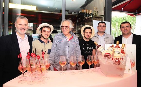 1. L'équipe Lillet (Ricard) autour d'Albert, patron du Café du Pond
