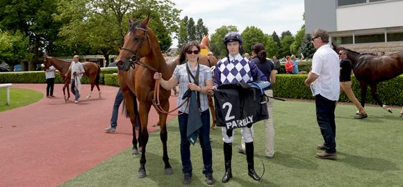 13. Emilie Eddaou et le jockey Antoine Werle