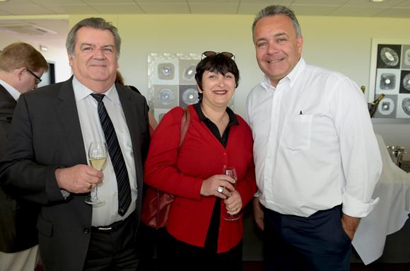 2. Christian Barthélémy, administrateur de la société des courses de Lyon, Brigitte Fromont, conseillère régionale Rhône-Alpes et  Denis Broliquier, maire du 2ème