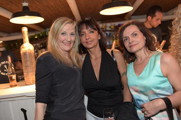 32. Pascale Landoin, Marielle Santiago et Sylvie Benel