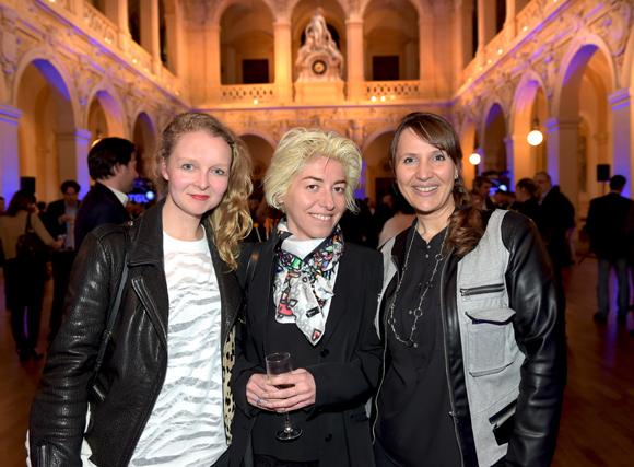 46. Stéphanie Herrbach (Stéphanie Herrbach graphisme), la photographe Héloise Peyre et Nathalie Letard (Artefact)
