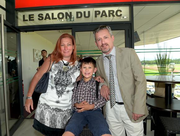 8. Arnaud Gindre (GFI), son épouse Sylvie (JP Coiffure) et leur fils Clément