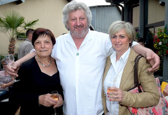 11. Claudette Limandas, Marc Rongeat (Restaurant la Terrasse) et Christine Cormorèche