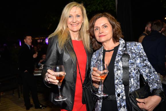 21. Pascale Landoin (Ophélie) et Sylvie Benel (Orange)