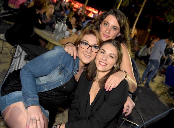 24. Alison, Daphné et Maud