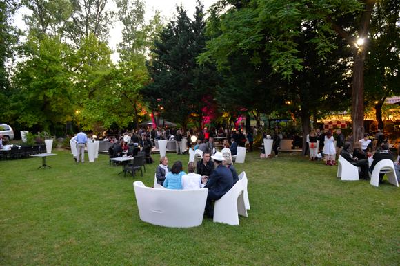 6. Garden party