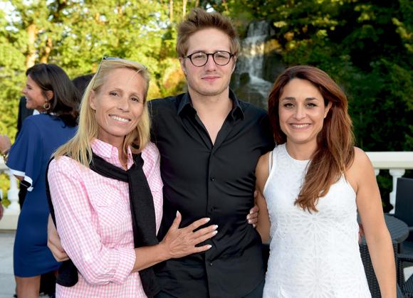 19. L'actrice Frédérique Dupré, son fils Robin (Groupe Accor) et Virginie Nogueras (Ex'pairs)