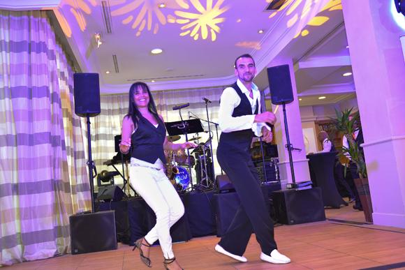 33. La danse commence avec Philippe et Janet (Baïla Conmigo)