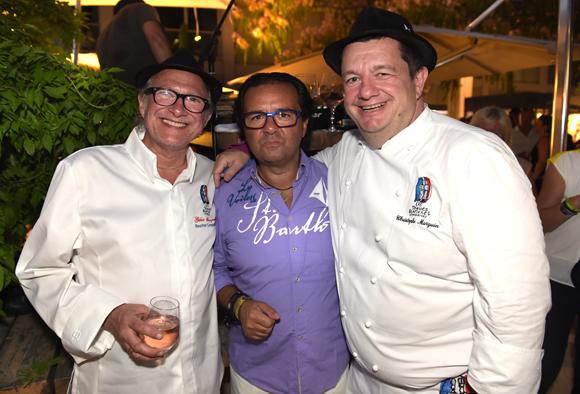 70. Gilles Maysonnave (Comptoir Brunet), le photographe Chris et Christophe Marguin