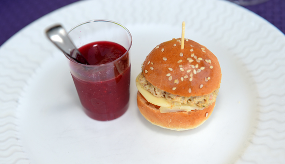 9. Mini burgers de crabe et mozzarella à l'orientale concoctée par Laurent Bouvier (Chez Moss)