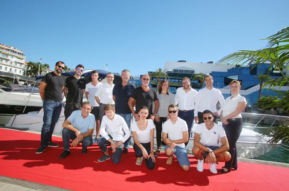 L'équipe d'Anaf Auto Auction