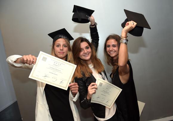 10. Clara Guitard, Amélie Saboye et Sarah Bonnefoy