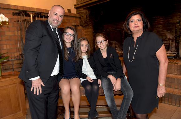 10. Françoise Bernachon, son fils Philippe, ses petites-filles Paola, Carla et Giulia