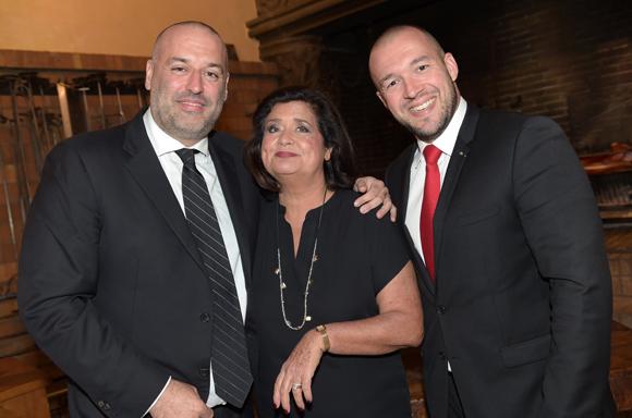 4. Philippe Bernachon, sa maman Françoise et le chef Guillaume Gomez (Palais de L'Elysée)