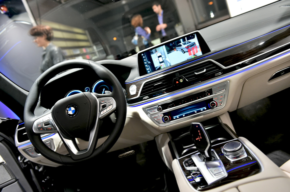 43. L'habitacle futuriste de la BMW série 7
