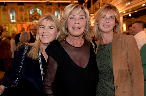 45. Ghislaine Mérieux, ses filles Christel et Victoire