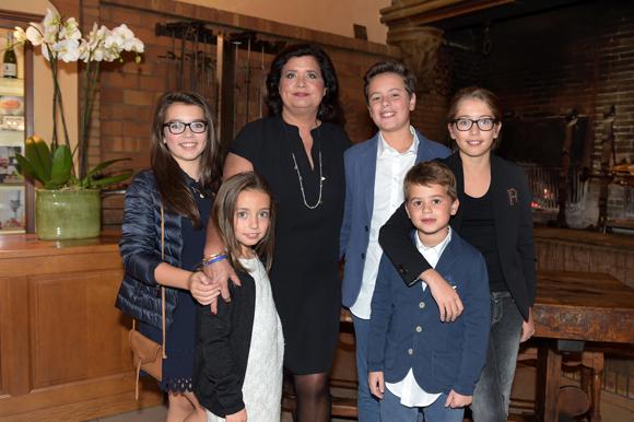5. Françoise Bernachon, ses petits-enfants Carla, Paola, Antoine, Thomas et Giulia
