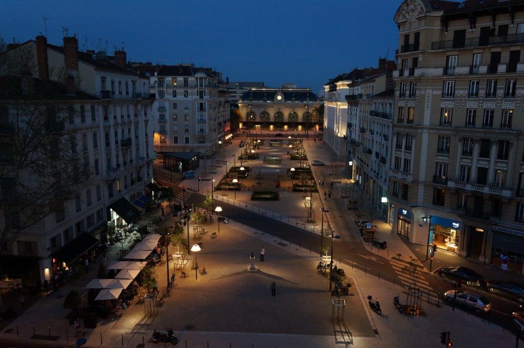 Gare des Brotteaux. Et la lumière fut !