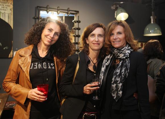 32. Eve Benoist, (Pharmacie Rive Gauche), Nathalie Spagnolo et Nathalie Cot (Cot Contemporain)