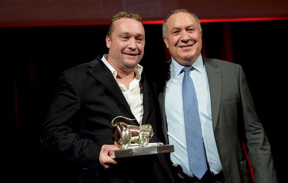 48. Trophée Toque Blanche de l'année remis par José Sanchez, directeur général FCH à Benoît Toussaint (Chez Paul'O)