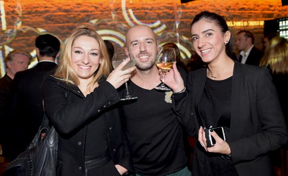 32. Jessica Mauron (Voyou), Damien Guilloux (Red Bull) et Cynthia Siaf (Barrio Club)
