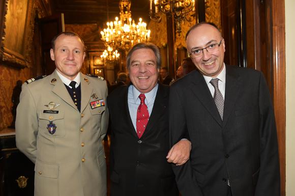10. Le Lieutenant-colonel Jérôme Feuillas, François Turcas, président de la CGPME Rhône-Alpes et Özgür Cakar, consul général de Turquie