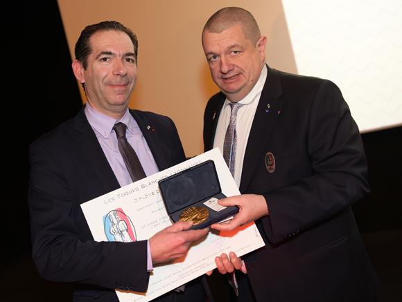 23. Fabrice Prochasson (Académie Culinaire de France) et Christophe Marguin, président des Toques Blanches Lyonnaises