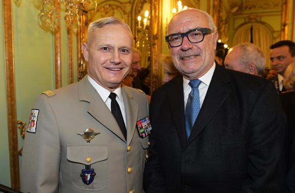 31. Le général Pierre Chavancy, gouverneur militaire de Lyon et Charles Sauboua, consul de Madagascar