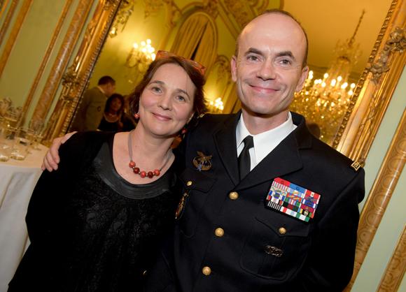 37. Le général de gendarmerie Christian Dupouy et son épouse Christine