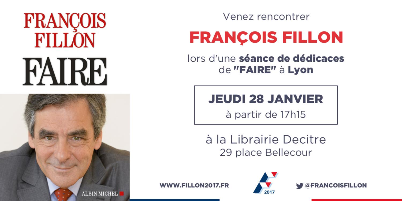 François Fillon en dédicace à Lyon chez Decitre