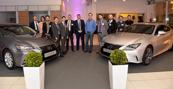 4. L'équipe de Lexus entre la GS 300h et RC 300h, nouvelle gamme