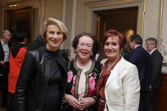 1. Dominique Nachury, député, Simone André et Nicole Chevassus, ancien maire du 6ème