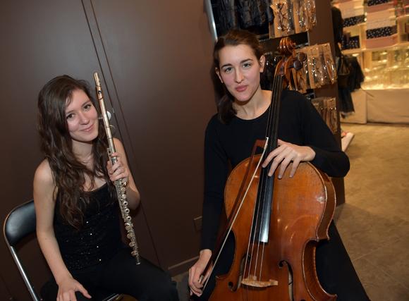 17. Les musiciennes Daniela Mars et Lou Dufoix (Lou & Daniela)