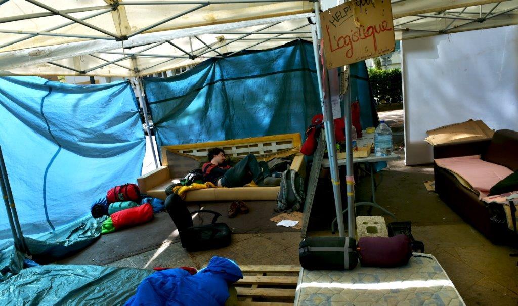 Nuit Debout Lyon. Un camp de roms place Guichard