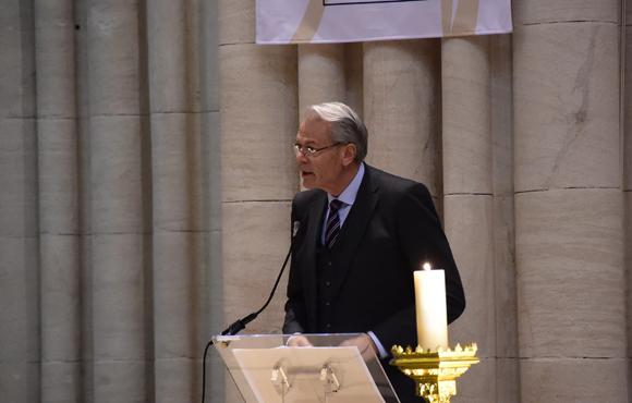 10. L'éloge funèbre de Michel Noir, maire de Lyon de 1989 à 1995