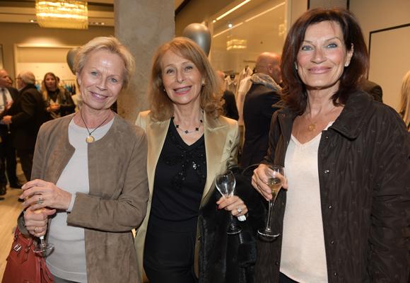 37. Elisabeth Lacroix, Geneviève Watine et Dominique Bosch