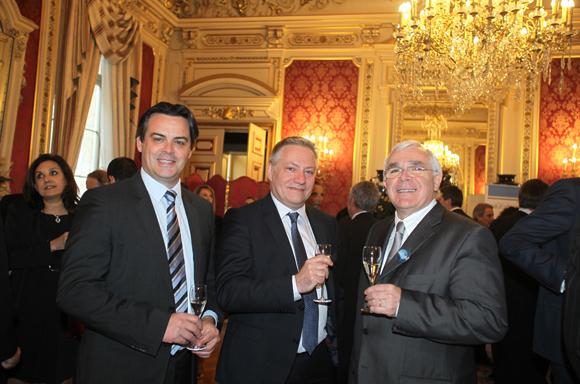 4. Antony Roche (Siemens), Jean-Marc Berlioz (Siemens Healthcare) et le professeur Emmanuel Broussolle (Neurologie CHU de Lyon)