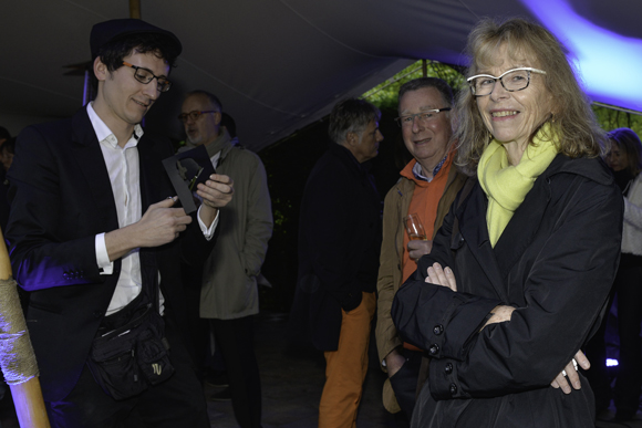 18. Armel Chambon (Hekel et Jekel) découpe la silhouette de Marinnik Bernard (cliente Delorme)