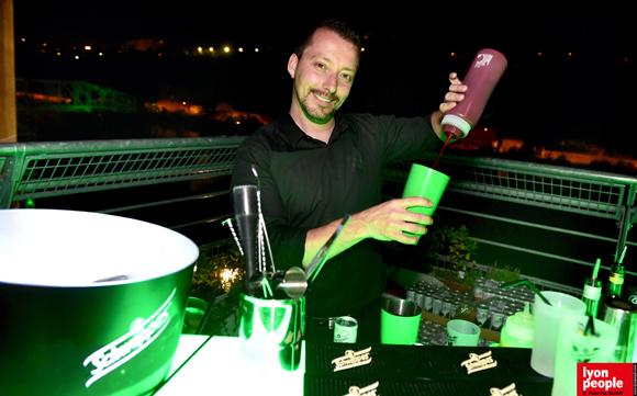3. Jérôme, le barman de la villa Schweppes