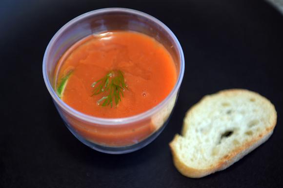 12b. Son plat : Panacotta de fenouil et tourteau, coulis de tomates aux herbes